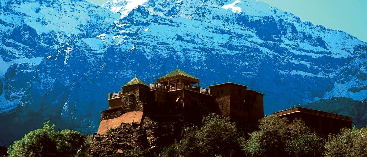 Kasbah du Toubkal Morocco with the majestic Atlas Mountains behind it